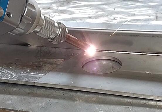 手持光纤激光焊接机的广泛畅销的原因