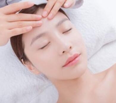 为什么要选择专业的上海美容化妆培训学校学习化妆