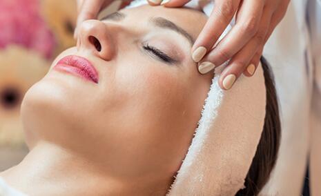 选择上海美容化妆培训学校要重点看哪些信息