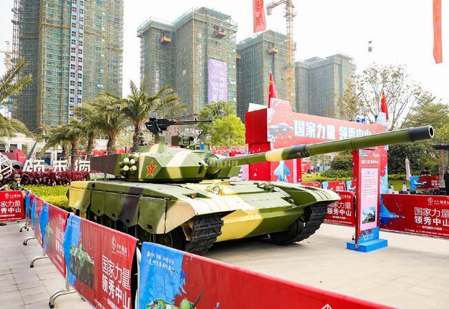 哪些措施有助于提升军事展览的影响力?