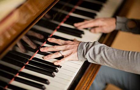 英国进口钢琴学习要经历哪几个步骤