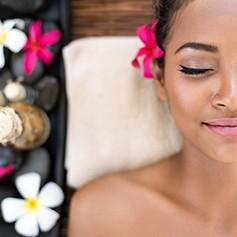 上海美容师培训学校详解:职场女性的生活职业妆具有哪些特色与要求