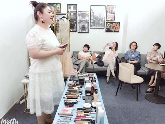上海美容化妆培训学校解读美容化妆学员的就业方向