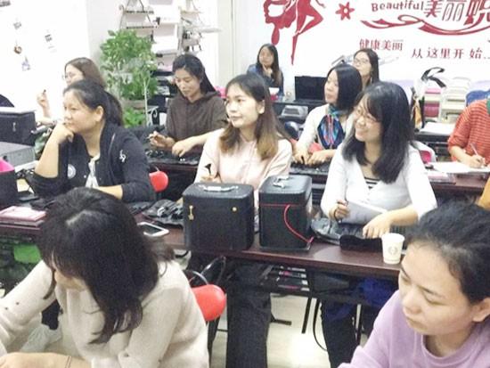 上海美容师培训学校介绍:美容院对美容师有哪些要求