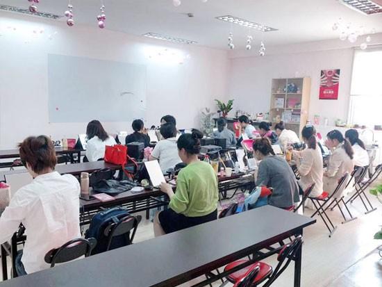 为什么要去上海美容师培训学校学习?
