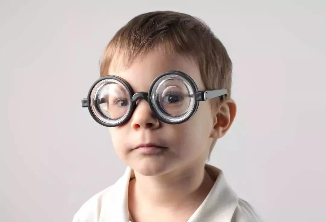为什么眼镜店需要使用眼镜管理系统?