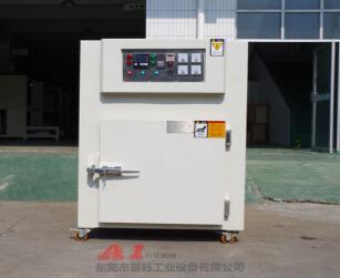 苏州烘箱厂家分析:使用烘箱要注意哪些问题