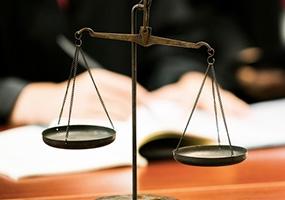 员工在哪些情况下可以找深圳劳动律师来处理问题?