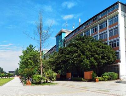 四川成都职业学校1.png