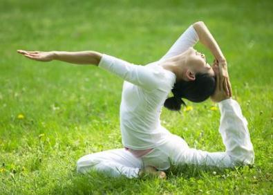瑜伽减肥健身.jpg