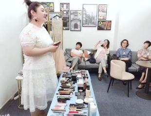 上海美容师培训学校.png