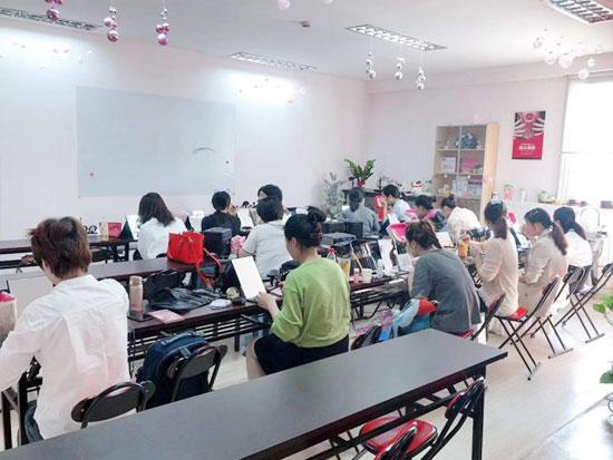 如何选择上海美容师培训学校?.jpg