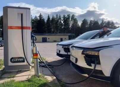 电动汽车充电桩.jpg